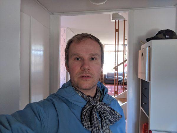Knyter min scarf för kvinnorna i Svenska Akademien